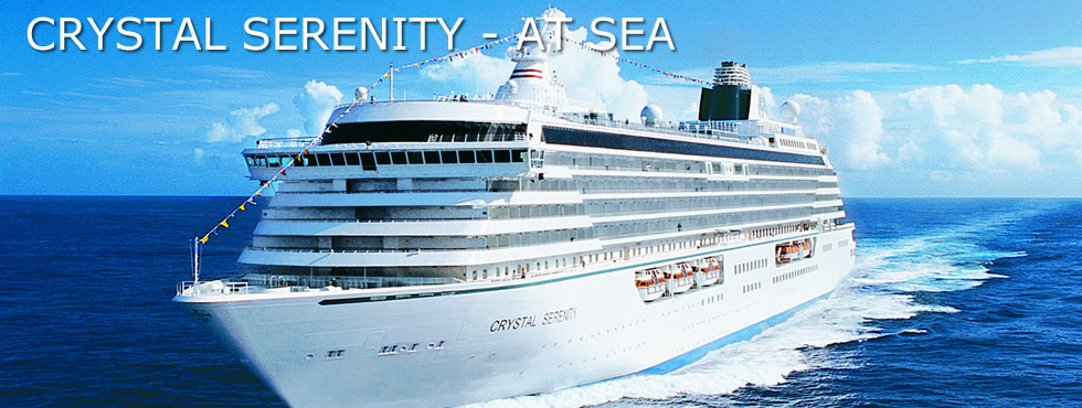 Crystal_Serenity_at_sea4